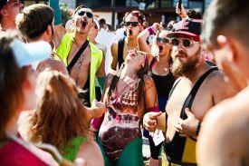A Pécs City Karnevál jelmezes felvonulás és egész napos utcai buli Pécs  belvárosában. 2017.09.16-án ötödik alkalommal rendezték meg az ország egyik  ... 1e1686f11e