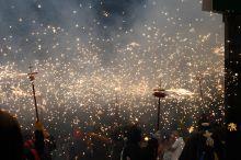 Ördögök tánca A Les Santes a spanyolországi Mataro (Barcelona) városának legnagyobb fesztiválja. A program egyik legjelentősebb eseménye az Ördögök tánca.
