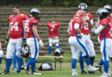 Amerika foci kelet Európában A magyar amerikaifutball-válogatott történetének első hivatalos mérkőzését vívta a cseh amerikaifutball-válogatott ellen a népligeti Építők-pályán 2015. szeptember 27-én. A magyar csapat 26-7-es vereséget szenvedett.