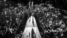 'One In A Million' Mobiltelefonok fényei a magyar Brains zenekar koncertjén a Budapest Parkban szeptember 17-én.