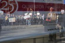 QUAESTOR 2015 márciusában bedőlt a Quaestor csoport. Több ezer ügyfél pénze ragadt be a cégnél, tüntetés hullámotváltva ki