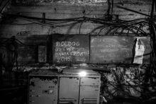 Végleg bezár a Márkus-hegyi bánya Végleg bezárt 2015 január 1-én Magyarország utolsó mélyművelésű szénbányája, ezzel az országban megszűnik a szénbányászat. A lent lévő munkaeszközöket a felszínre szállítják és berobbantják a bányát, ahelyett, hogy vízzel árasztanák el és később, ha szükség lenne rá kiszivattyúzható lenne.