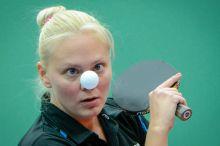 Figyelem Póta Georgina játszik Madarász Dóra ellen a 98. asztalitenisz országos bajnokság női egyes döntőjében a Marczibányi téri Ormai László Csarnokban 2015. március 1-jén.