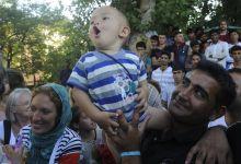 Menekültek a Nyugatinál Budapest, 2015. 09. 04.szíriai család a Nyugati pályaudvar mögötti menekült állomáson