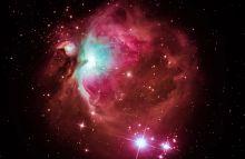 Orion Az Orion-köd (M42–M43, NGC 1976) látszik több fotóból számítógéppel összeállított felvételen  Salgótarján közeléből fotózva 2015. február 7-én.