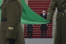 Zászlófelvonás Áder János Köztársasági Elnök a március 15-ei zászlófelvonás alatt, a Kossuth Lajos téren.