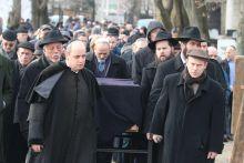 Schweitzer József temetése Schweitzer József országos főrabbi a neológ mozgalom legelismertebb rabbija volt, nagy tiszteletnek örvendett a zsidó közösségen kívül is.