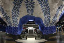 Stockholmi metróállomások Stockholmi metróhálózaton 100 állomás van, amelyből 47 a föld alatt és 53 a föld felett. Európa legszebb metróállomásai között több van ami itt Stockholmban található.