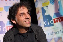 Etgar Keret Budapesten Izrael egyik legsikeresebb, nemzetközileg jegyzett kortárs írója Etgar Keret a Budapesti Nemzetközi Könyvfesztivál vendége volt.