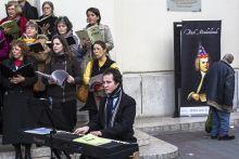 Cím nélkül 2015.03.21., Budapest. Johann Sebastian Bach születésnapja alkalmából zenészek a város különböző közterein a híres zeneszerző darabjait játszották.