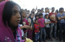 Menekült gyerekek a Nyugatinál Budapest, 2015. 09. 04. Menekült gyerekek a Nyugati pályaudvar melletti táborban