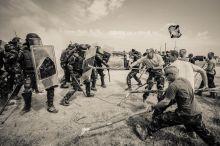 Gyakorlat teszi a mestert 2015 augusztusában a 13. KFOR kontingens indult békefenntartó misszióra Koszovóba. Felkészítésük utolsó szakaszaként kétnapos zárógyakorlatot tartottak nekik a Bocskai-lövészdandár hajdúhadházi bázisán.