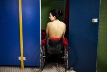 Ez egy kiváltság Illés Fanni lábak nélkül, összenőtt ujjakkal született. 12 évesen kezdett úszni. Eleinte még csak édesapját hagyta le a medencében, később már versenytársait is. A kétszeres Európa-bajnoki bronzérmes paralimpikon 2015-ben az IWAS Világjátékokon száz méter mellúszásban országos csúcsot döntött, így jó esélye van a 2016-os paralimpián való részvételre Rio de Janeiróban.