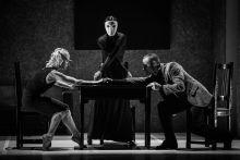 """""""Szentháromság"""" Részlet a Győri Balett """"Ne bánts!"""" című táncdrámájának május 14-i premierjéből, melynek témája a családon belüli erőszak."""