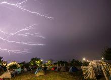 Ördögkatlan Vihar a MediaWave tábor fölött az Ördögkatlan Fesztiválon