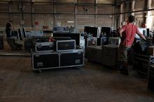 Klippforgatás 2015 nyarán Ákos speciális, 360 fokos videótechnikával és különleges, kör alakú színpadon forgatta új klippjét. A frissen megjelent lemez címadó dalához készített filmetűdben az előadó a víz alatt is énekel.