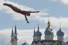 A levegő úrnője A kanadai Lysanne Richard egyik kísérlete a női óriástoronyugrás döntőjében a kazanyi világbajnokságon