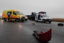 Két autó ütközött a pogányi reptér közelében Összeütközött két személyautó október 8-án délelőtt az 58-as főúton, a Pécsudvardra vezető út csomópontjában. Az ütközés következtében ketten megsérültek, őket a mentők kórházba szállították.
