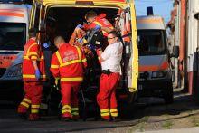 Halálos lövöldözés Pécs kertvárosi részében disznóbénító fegyverrel fejbe lőtte élettársát, majd önmaga ellen fordította a fegyvert. Az élettársa a kórházban elhunyt.