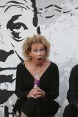 A díva Hihetetlen, hogy már hatvanon túl van Udvaros Dorottya Kossuth- és Jászai Mari-díjas színművésznő, a Halhatatlanok Társulatának örökös tagja. /Két fellépés között az Ördögkatlan Fesztiválon./