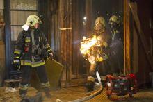 Már megint tüzet viszek 2015. január 27. Egy lakástűz oltása közben az egyik tűzoltó nemes egyszerűséggel kihozta a tüzet a lakásból.