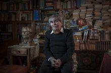 Juhász Ferenc A decemberben elhunyt Juhász Ferenc költő budai otthonában, márciusban. A 88 éves, kétszeres Kossuth-díjas, a Nemzet Művésze címmel kitüntetett költő nemzedéke egyik vezéralakja volt.