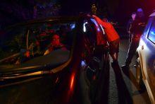 Éjszakai járat Embercsempész autójába zsúfolt menekültek Röszke közelében egy rendőri ellenőrzés során.
