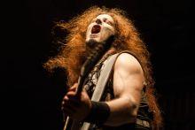 A farkasok ereje Charles Greywolf a német származású Powerwolf metál együttes basszusgitárosa az idén Dunaújvárosban megrendezett Rockmaraton fesztiválon