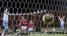 Gól Az orosz Darija Makarenko (b) ünnepel, miután gólt szerzett a Magyarország - Oroszország női labdarúgó Európa-bajnoki selejtező mérkőzésen a felcsúti Pancho Arénában 2015. november 29-én.