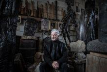 Szervátiusz Tibor  Szervátiusz Tibor erdélyi származású magyar szobrászművész budapesti műtermében.