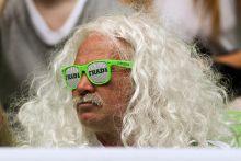 Mesterséges zöldhályog Fradi meccshez, Fradi szemüveg dukál.