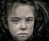 Sors Gyerekarc az izmiri (Törökország) kurd nyomornegyedből