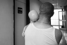 Ilyen a box A Szent László Kórház Gyermekhematológiai és Őssejt-transzplantációs Osztályán Budapesten, évente 45-50 gyermeken végeznek életmentő beavatkozást. A csontvelő-átültetést követő 2-3 hetes sejtmentes időszakban a betegek immunrendszer nélkül élnek, ezért ezt az időszakot steril elkülönítő boxban töltik. A lábadozás időszakában, a lassan erősödő immunrendszer miatt gyakori orvosi ellenőrzésre van szükségük, ezért a gyerekek a kórház területén lévő Démétér Házba költöznek, ahol otthonos körülmények között együtt lehetnek szüleikkel, ami fontos lelki támaszt jelent a gyógyulásban.