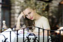 Zséda Zséda, teljes nevén Zsédenyi Adrienn, többszörös Fonogram- és EMeRTon-díjas magyar énekesnő. A magyar könnyűzenei élet egyik legsikeresebb női előadója. 2015. 06. 31.