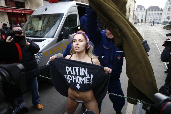 Putyin ellenes tiltakozás