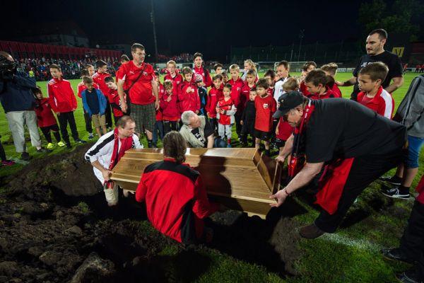 Futball temetés
